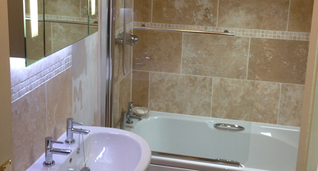 Oxfordshire bathroom fitters witney to install best bathroom for Bathroom design oxfordshire